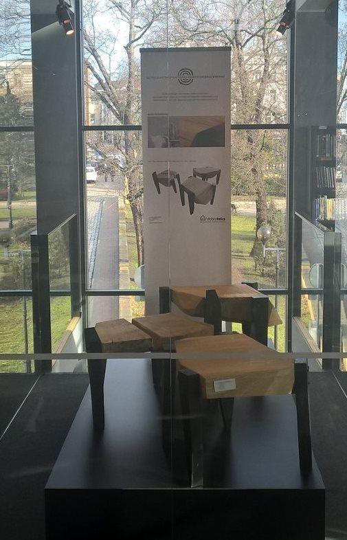 MAREK RUSZKIEWICZ / CRB1, CRB2, CRB3 stołki
