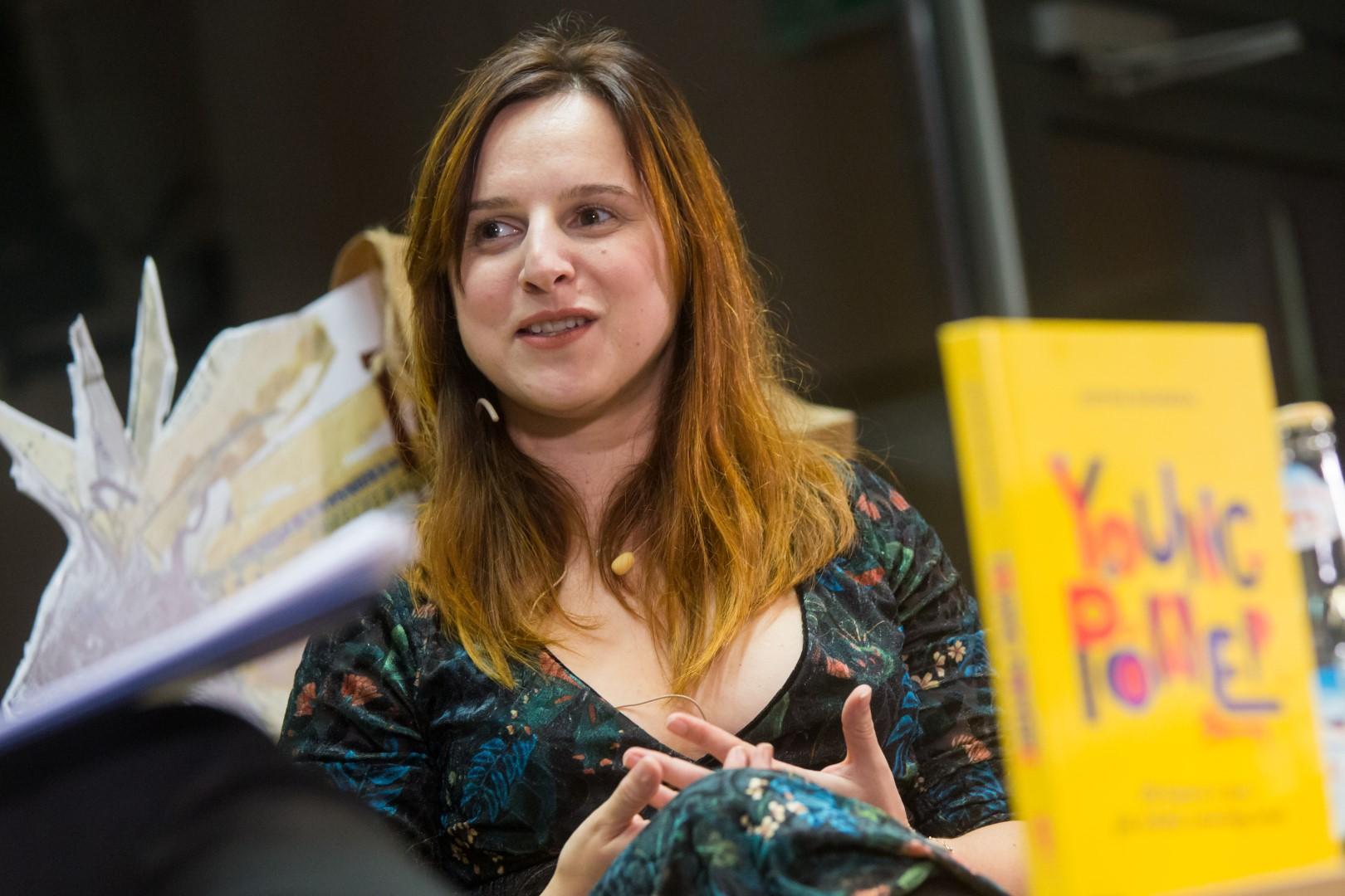 """18 OJL / """"Young Power! 30 historii o tym, jak młodzi zmieniają świat"""" – spotkanie z Justyną Suchecką"""
